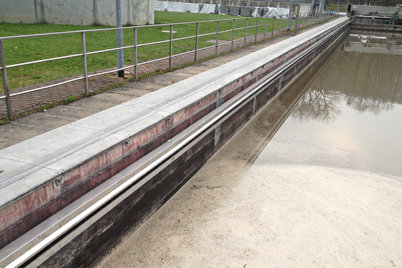 Scraper bridge in primary clarifier