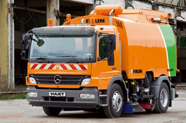 Road sweeper made by FAUN Viatec GmbH uses iglidur® plain bearings