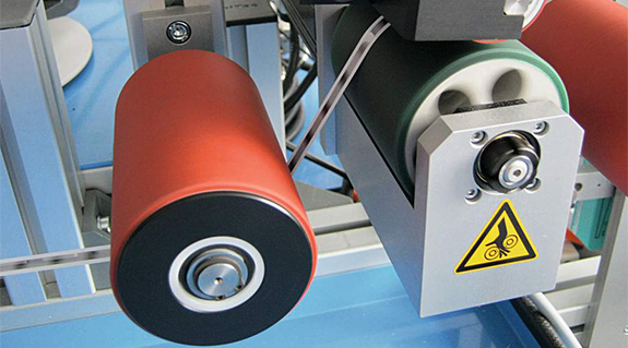 Plastic ball bearing in guide rollers